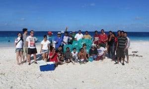 nettoyons les récifs et les plages à proximité des centres de plongée