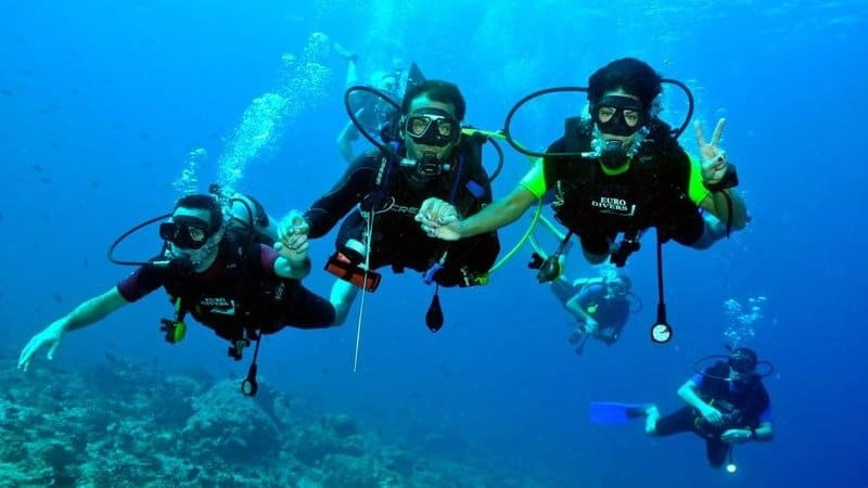 Dispelling Myths about Scuba Diving 2