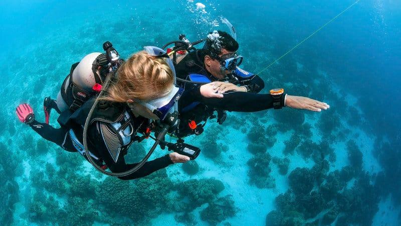 2 padi beginner scuba diving course maldives